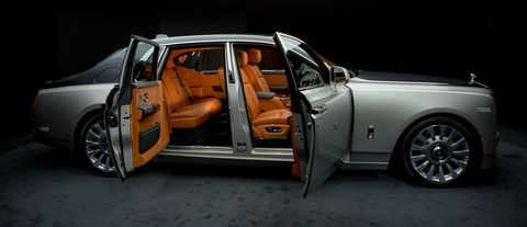 Land vehicle, Vehicle, Car, Luxury vehicle, Motor vehicle, Sedan, Full-size car, Vehicle door, Personal luxury car, Rolls-royce,