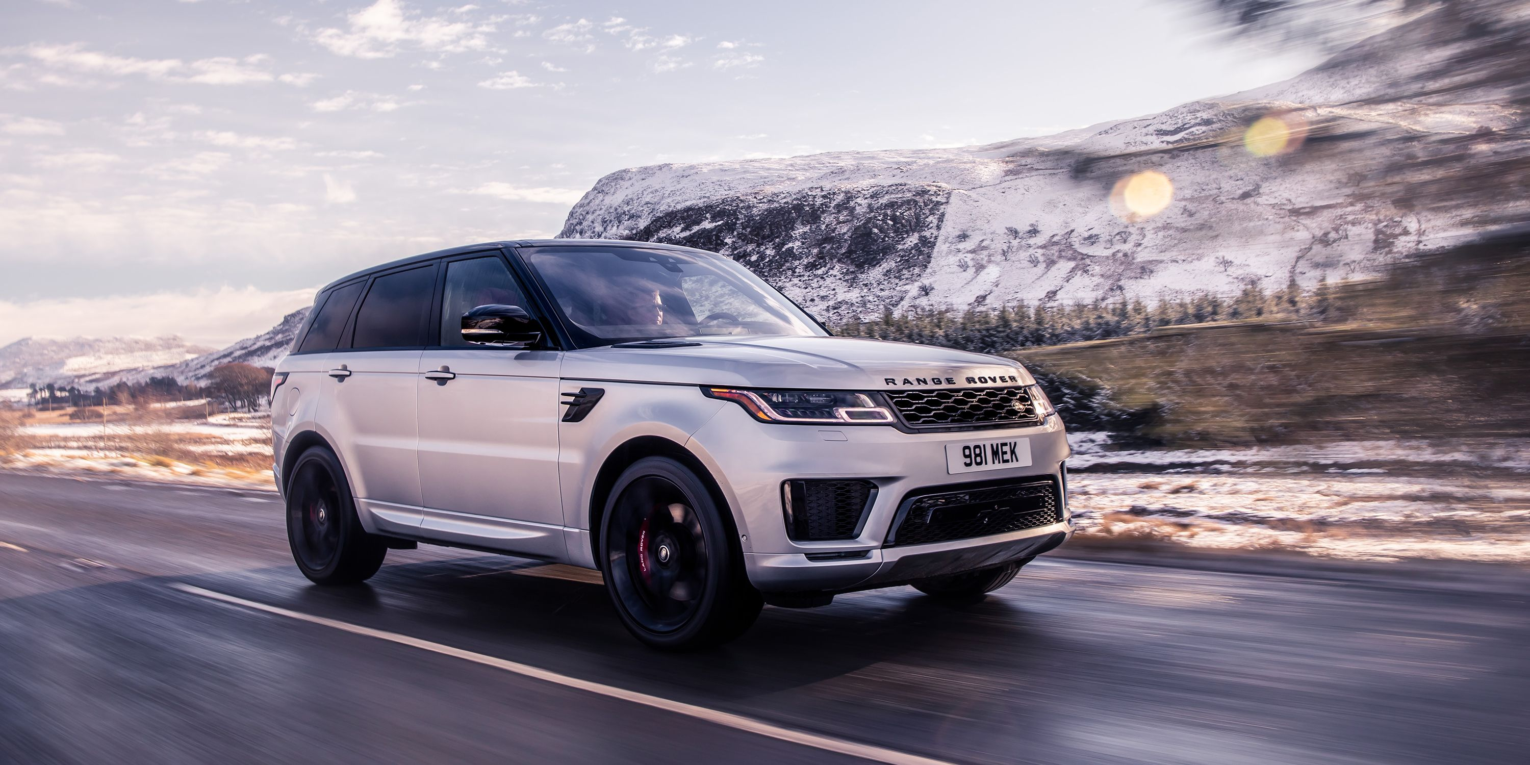The 2020 Range Rover Sport HST Has a Brand-New 395-HP Straight-Six