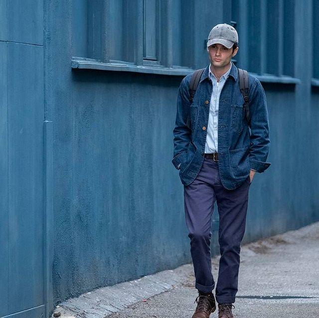 Denim, Blue, Street fashion, Jeans, Clothing, Standing, Fashion, Outerwear, Jacket, Beanie,