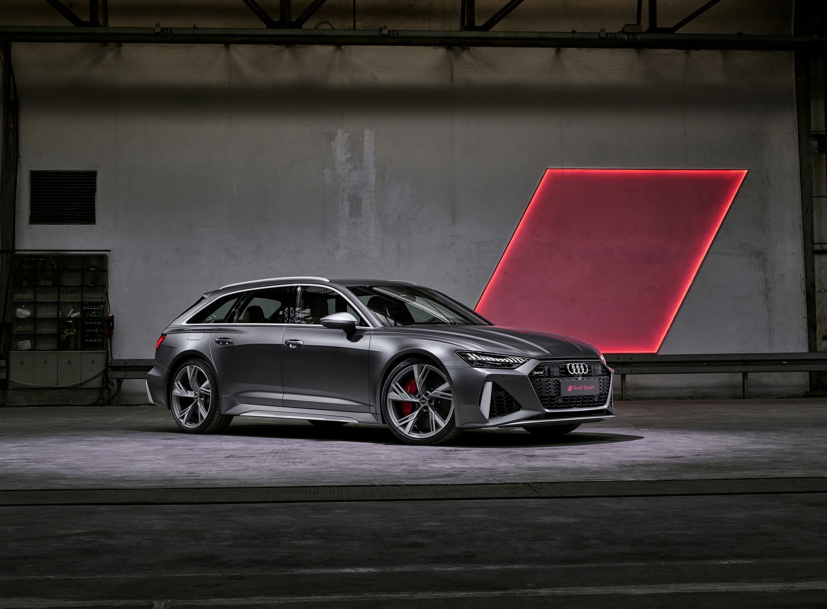 Listen to the V-8 Rumble of the New Audi RS 6 Avant