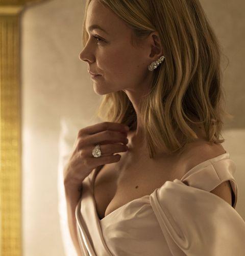 carey mulligan in cartier jewellery at the 2021 golden globe awards