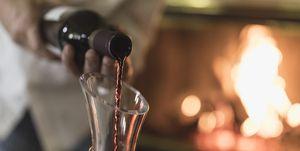 vino rosso, vino bianco, vino, come si decanta un vino, come si fa decantare un vino, decantare vino, decantare vino significato, ossigenare vino, far ossigenare vino, ossigenazione vino, decantazione vino, decantazione vini, come si beve un vino, bere correttamente vino, ossigenazione vino quanto tempo, decantazione vino quanto tempo, decantazione vino regole, come gustare un vino, regole per degustare vino, degustazione vino, come degustare vini