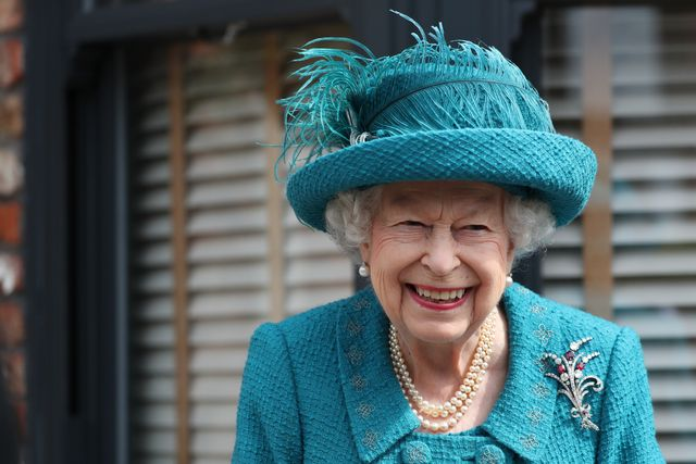 manchester, england   july 08 queen elizabeth ii visits the set of the long running television series coronation street, on july 8, 2021 in manchester, england photo by scott heppell   wpa poolgetty images