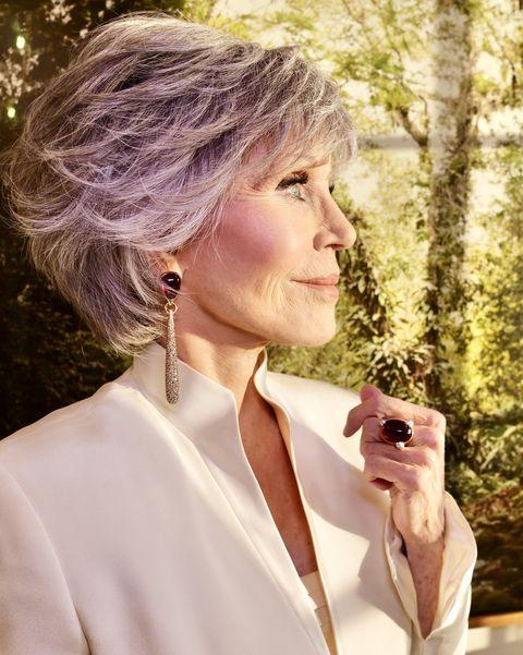 jane fonda wearing pomellato jewellery at the golden globe awards 2021