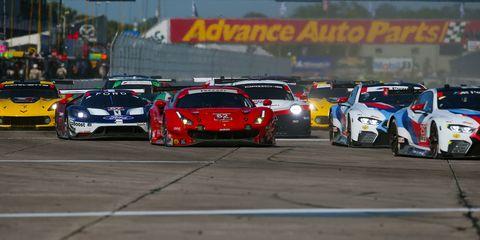 Motorsport, Touring car racing, Sports car racing, Endurance racing (motorsport), Vehicle, Race track, Rallycross, Auto racing, Stock car racing, Racing,