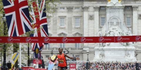 Tigist Tufa winning the 2015 London Marathon