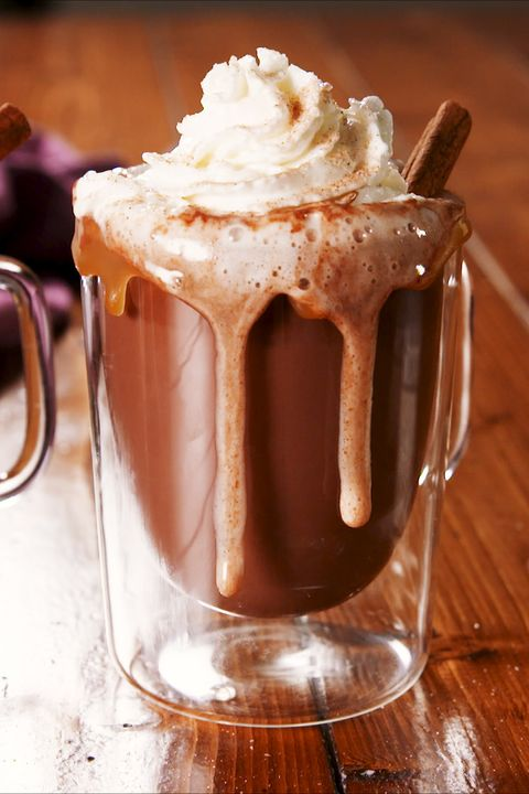 Food, Whipped cream, Non-alcoholic beverage, Drink, Milkshake, Floats, Cream, Dish, Hot chocolate, Ingredient,