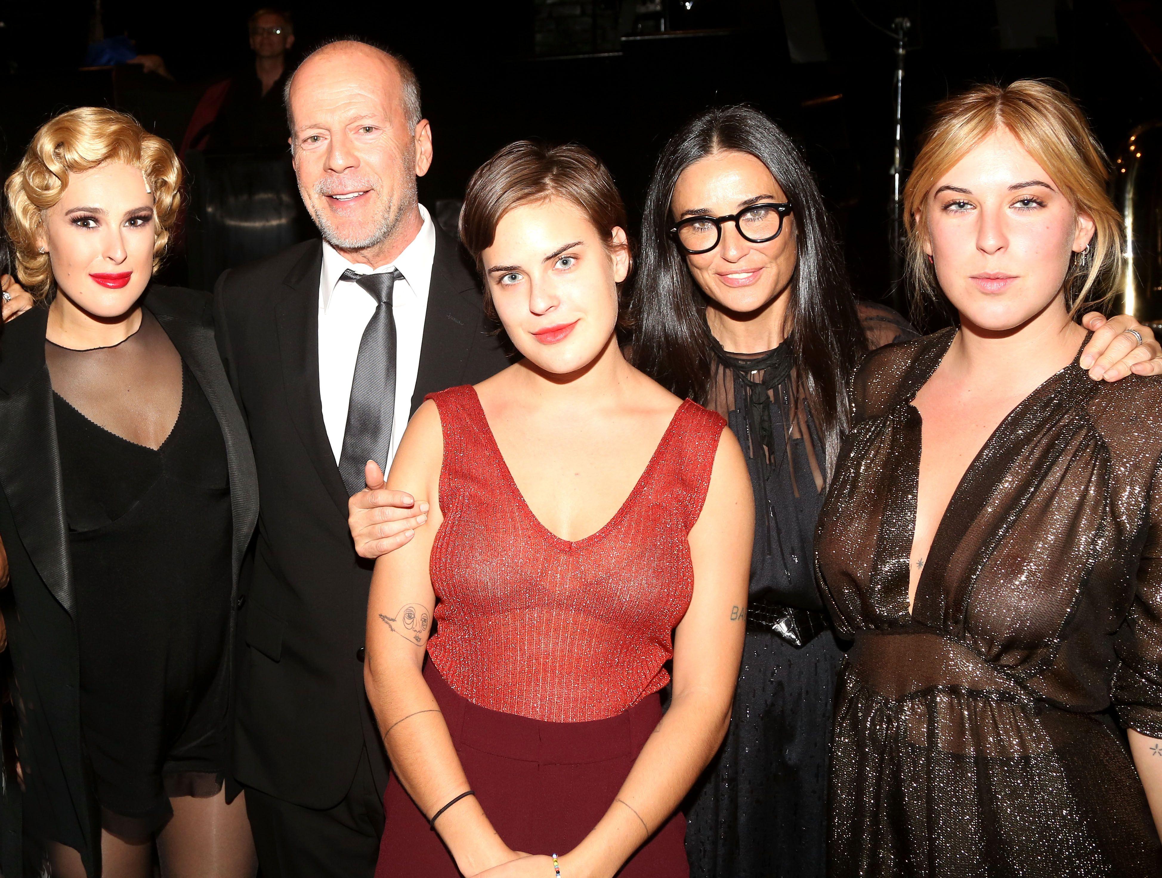 Demi Moore y Bruce Willis celebran una fiesta de pijamas a juego ...