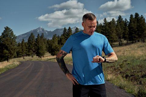 Outdoor recreation, Running, Recreation, Sky, Mountain, Mountain range, Exercise, Jogging, Road, Cloud,