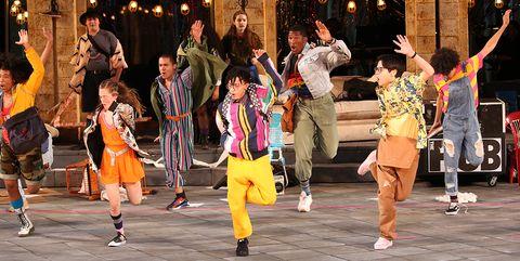 Entertainment, Dance, Folk dance, Performing arts, Performance, Event, Performance art, Dancer, Choreography, Fun,