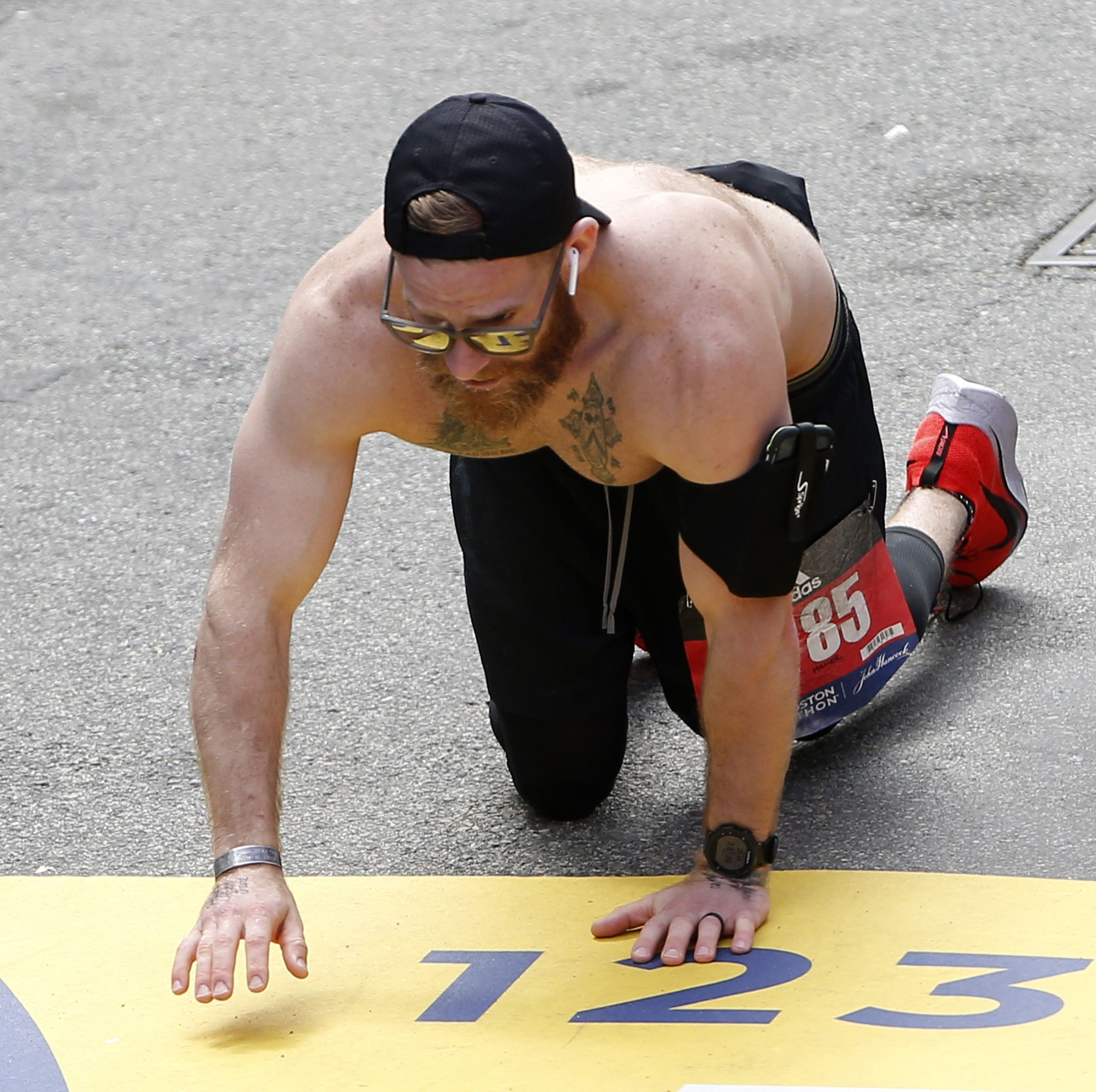 The Inspiring Reason Behind a Former Marine's Crawl to the Boston Finish