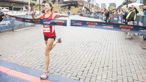 runner finish line half marathon