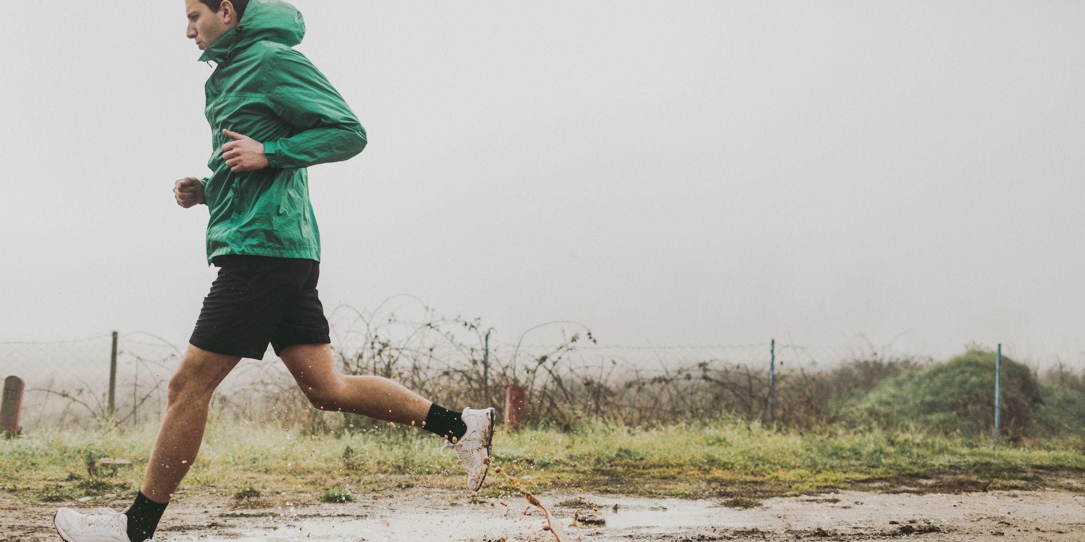 How to Dress for Rainy Runs