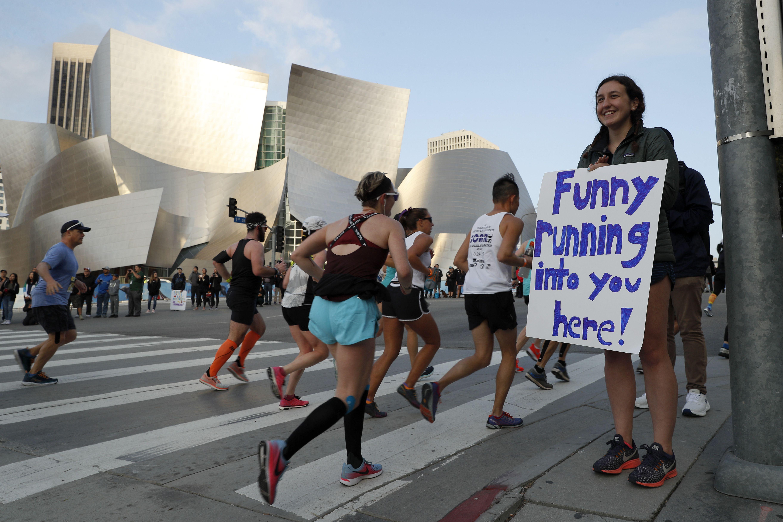 Funny Marathon Signs | Marathon Sign Ideas