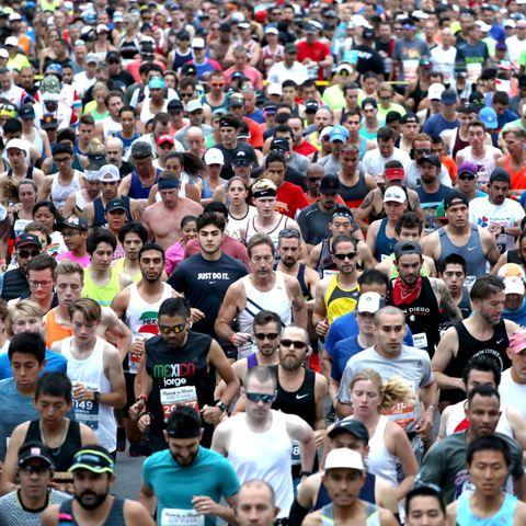 how many miles to run a week marathon training study