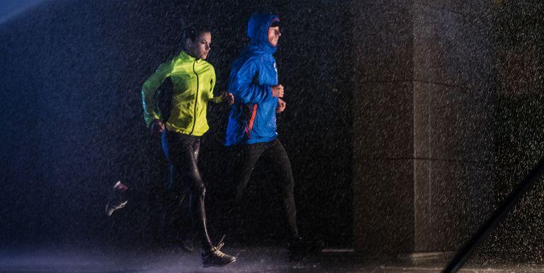Best waterproof running jackets runners world runners in rain jackets gumiabroncs Choice Image