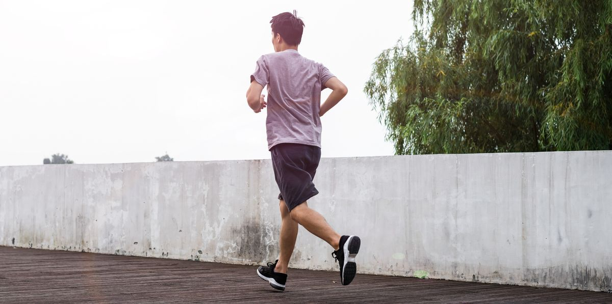 Here's What Running 10 Miles Every Day for a Whole Month Did to This Guy's Body