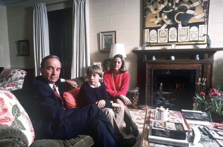 Rupert Murdoch with his second wife, Anna Mann, and their son Lachlan at home in New York City in 1989.