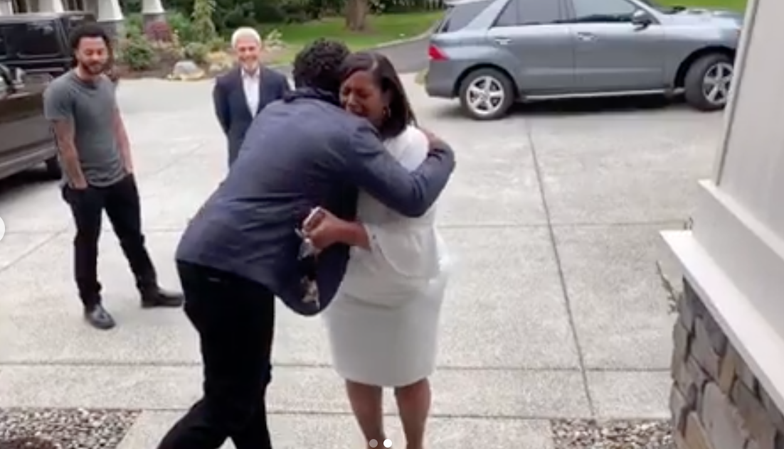 NFL's Russell Wilson Surprised His Mom With a House for Mother's Day