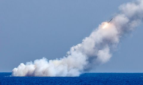 Russian submarines launch missiles at ISIS targets in Syria