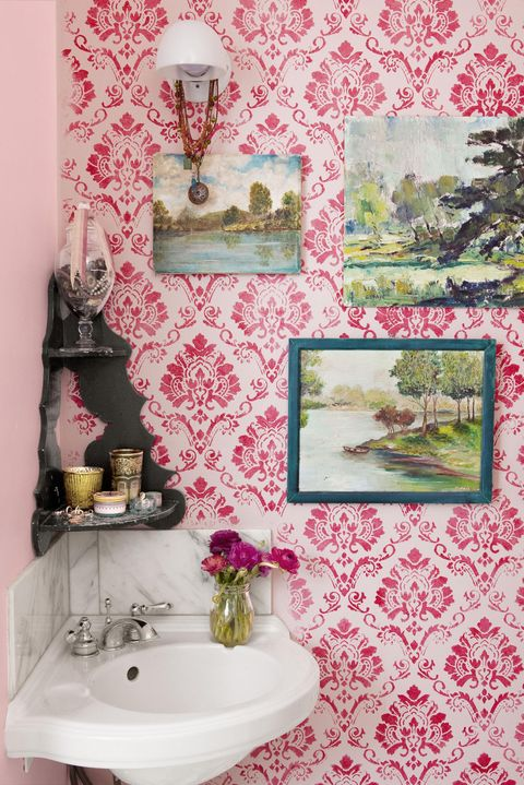 bathroom vintage wallpaper