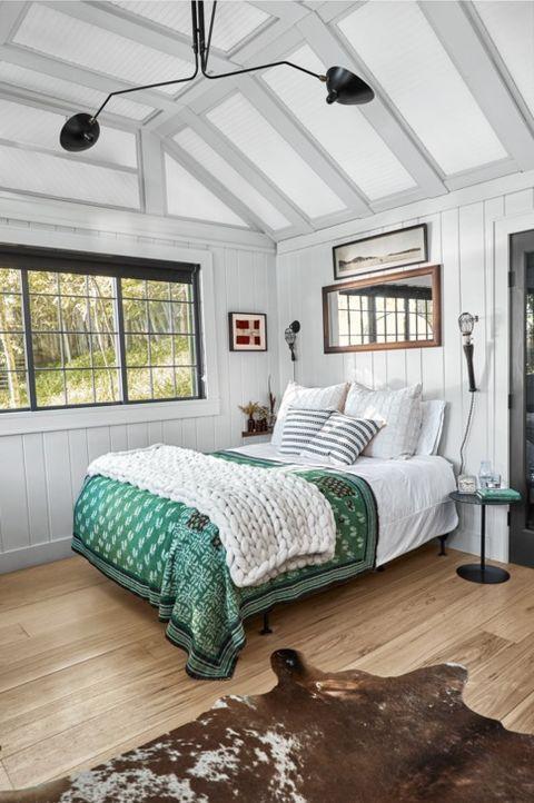 25 Rustic Bedroom Ideas