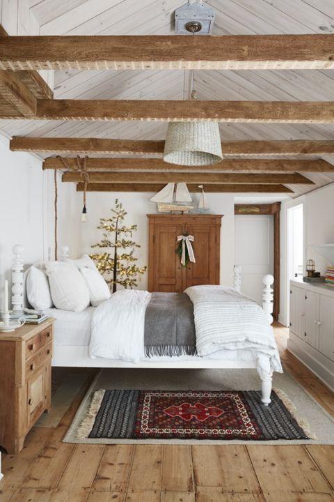 25 Rustic Bedroom Ideas - Rustic Decorating Ideas