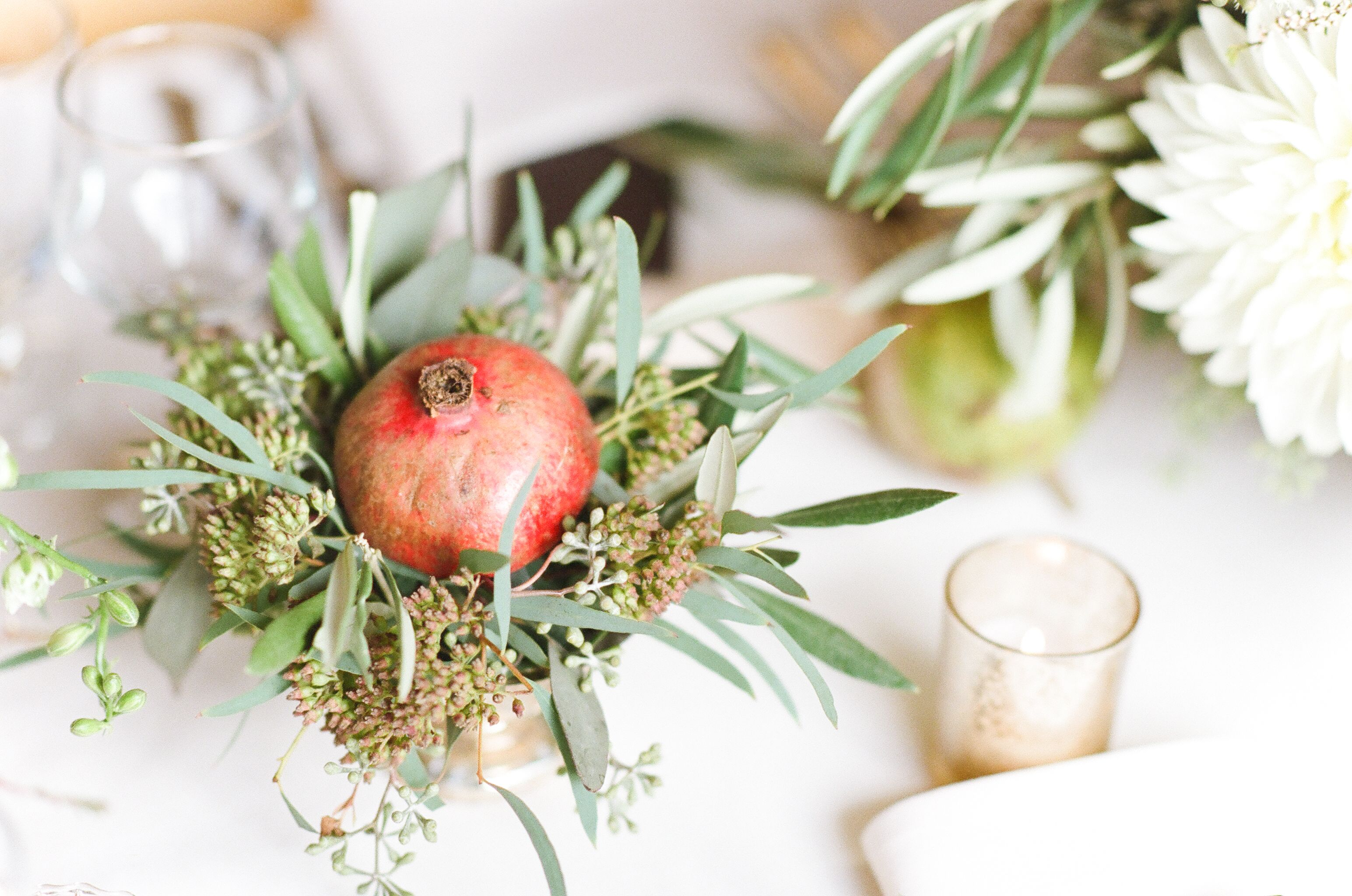 Christmas Greenery Centerpieces.16 Easy Rustic Centerpieces For Winter Christmas Table