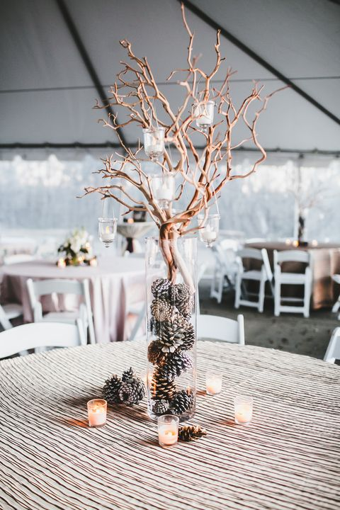 Admirable 16 Easy Rustic Centerpieces For Winter Christmas Table Home Interior And Landscaping Mentranervesignezvosmurscom