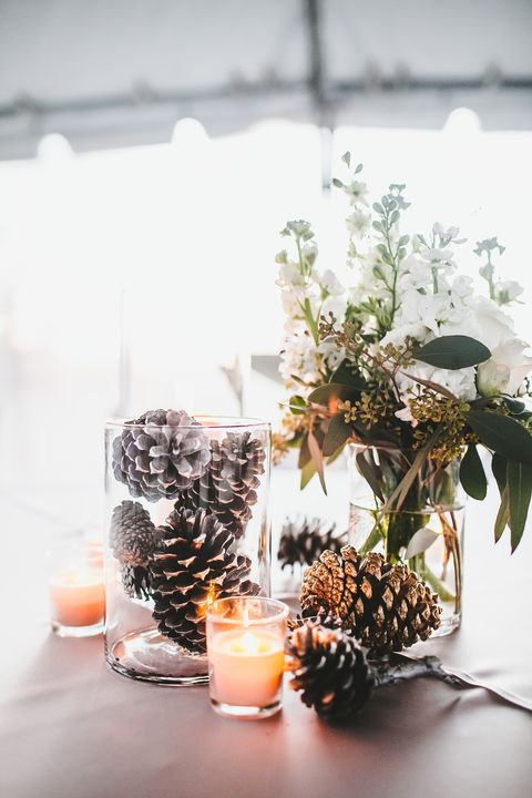 Phenomenal 16 Easy Rustic Centerpieces For Winter Christmas Table Home Interior And Landscaping Mentranervesignezvosmurscom
