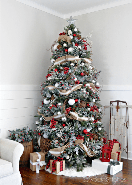 25 Rustic Christmas Trees , Ideas for Country Decorations on