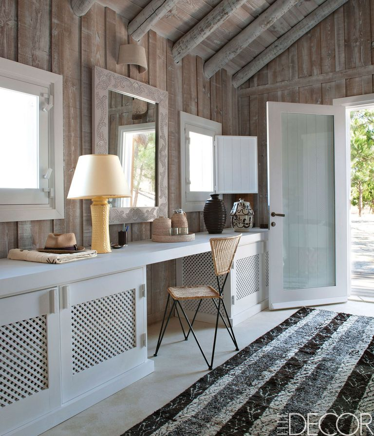 Rustic Interior Design With Shutters: Modern Rustic Style Rooms