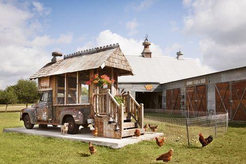 vintage car chicken coop backyard diy