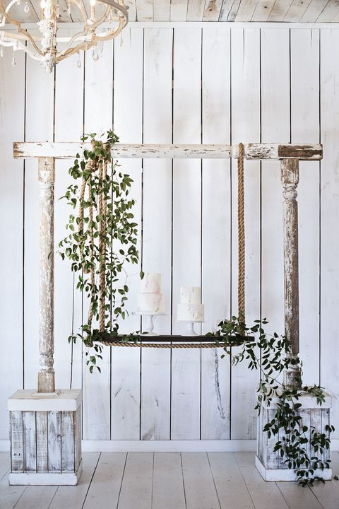 rustic wedding swing cake stand