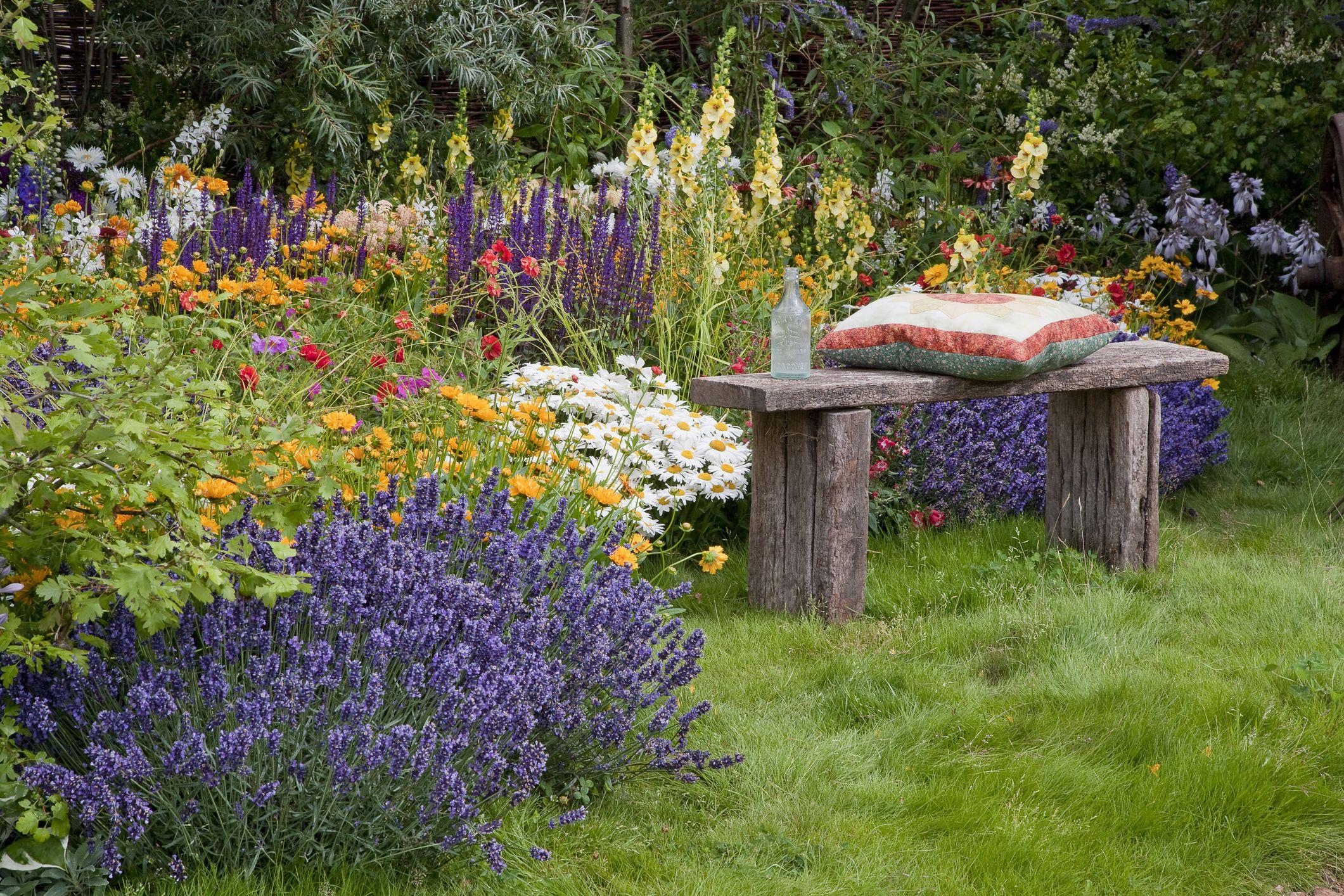 22 DIY Garden Bench Ideas , Free Plans for Outdoor Benches