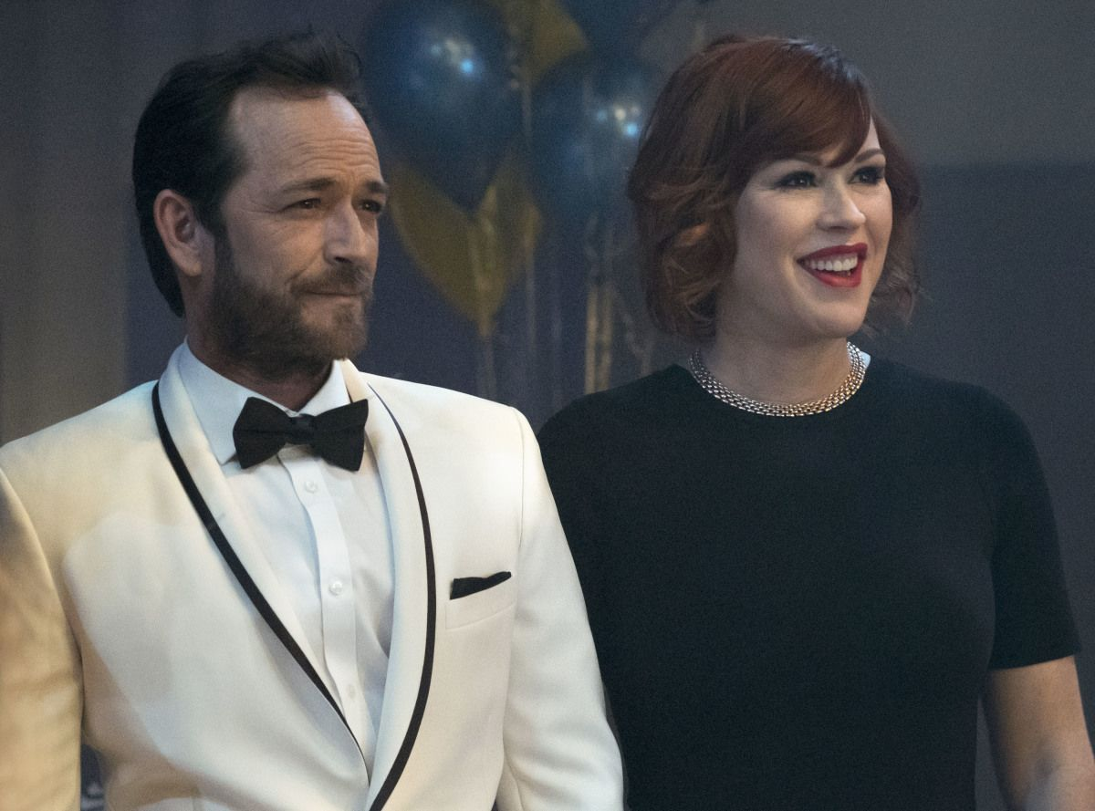 The Parents Know A Thing Or Two About Teen Stardom Even the parents in Riverdale were teen stars! Molly Ringwald, she of 80s John Hughes movies such as T he Breakfast Club and Sixteen Candles , plays Archie's mom, and Luke Perry of Beverly Hills, 90210 fame is Archie's dad.
