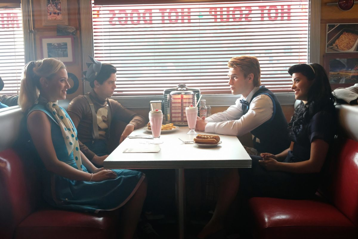 The Show Has Dark Pop Culture Inspirations It's clear from first look that Riverdale is a teen dramedy surrounded by deep cultural references that inform the show's universe. Every episode is titled after a film, show, or a novel that inspired the series, and they make heavily pointed references to those inspirations in the show itself.