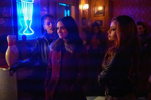 riverdale    chapter forty nine fire walk with me    image number rvd314a0388jpg    pictured l r bernadette beck as peaches n cream, camila mendes as veronica and vanessa morgan as toni    photo diyah perathe cw    © 2019 the cw network, llc all rights reserved