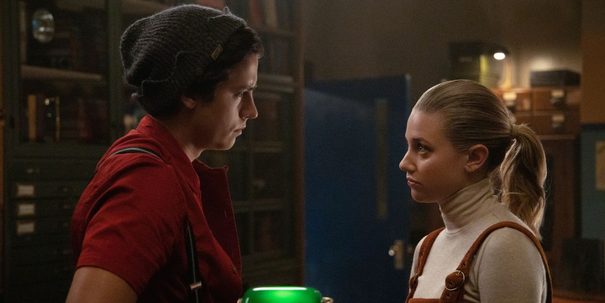 """Riverdale"" Exclusive: Lili Reinhart and Cole Sprouse Talk About Betty's Love for Jughead"