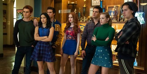 riverdale    chapter seventy six killing mr honey    image number rvd419a0093b    pictured l   r kj apa as archie andrews, camila mendes as veronica lodge, charles melton as reggie mantle, madelaine petsch as cheryl blossom, casey cott as kevin keller, lili reinhart as betty cooper and cole sprouse as jughead jones    photo katie yuthe cw    © 2020 the cw network, llc all rights reserved