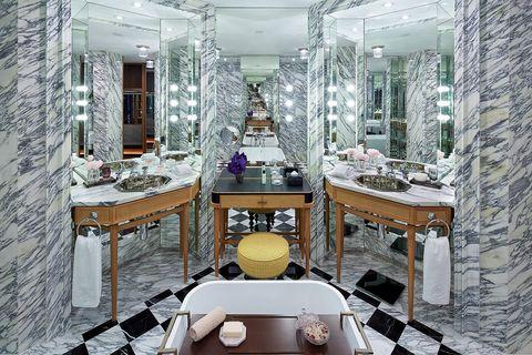 Room, Interior design, Dining room, Building, Table, Furniture, Ceiling, Architecture, Design, Restaurant,
