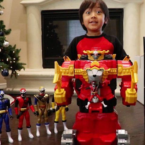 Toy, Action figure, Fictional character, Iron man, Superhero, Hero, Robot, Lego, Transformers,