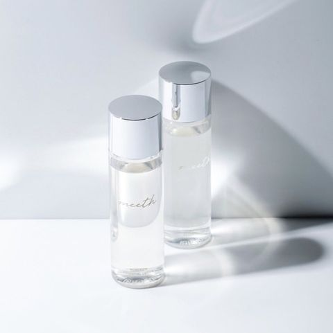 Product, Water, Beauty, Liquid, Material property, Fluid, Cylinder, Glass, Spray, Still life photography,