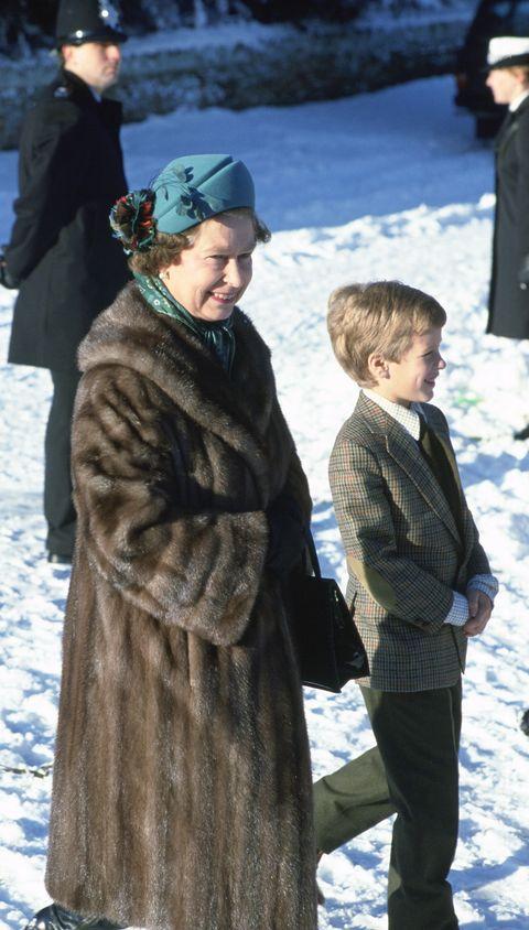 Fur, Fur clothing, Winter, Outerwear, Snow, Child,