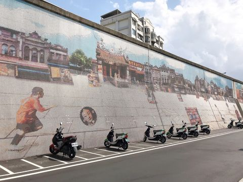 Wall, Vehicle, Street, Motorcycling, Motorcycle, Architecture, Mural, City, Road, Tourism,