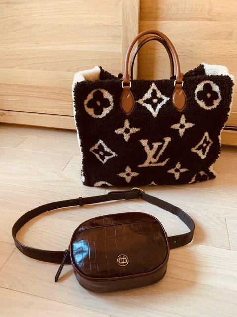 Bag, Handbag, Eyewear, Product, Brown, Fashion accessory, Glasses, Design, Material property, Footwear,