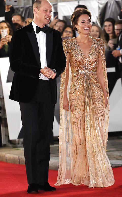 凱特王妃 以金色禮服出席《007生死交戰》 紅毯首映會穿搭