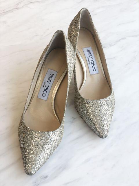 Footwear, Shoe, High heels, Bridal shoe, Silver, Beige, Court shoe, Basic pump, Leg, Glitter,