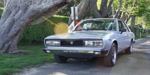 Land vehicle, Vehicle, Car, Coupé, Sedan, Classic car, Fiat 130, Executive car, Family car,