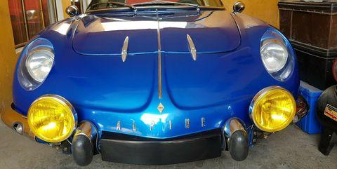 Land vehicle, Vehicle, Car, Classic car, Coupé, Alpine a110, Hood, Automotive lighting, Headlamp, Sports car,